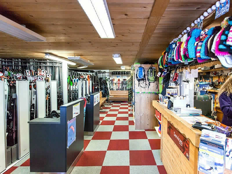 Ski hire shop LOCA SKI, Saint Gervais Les Bains in 4360 Route du Bettex