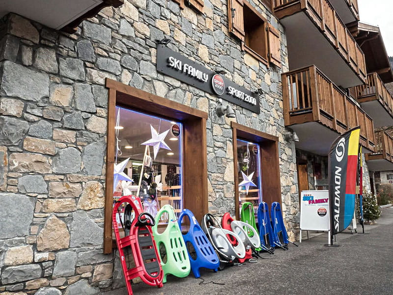 Ski hire shop SKI FAMILY in 58, rue des Glaciers, Samoëns
