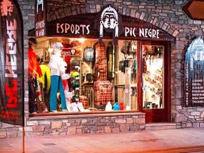 Ski hire shop Pic Negre I, La Massana in Avinguda de Sant Antoni (Ed. JML)
