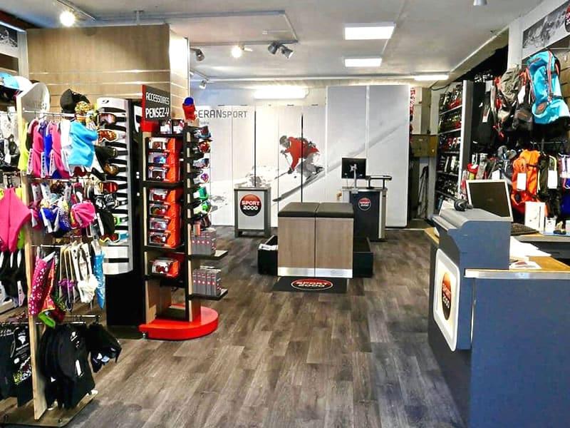 Ski hire shop ISERAN SPORT, B.P. 49 Les Hameaux in Val d Isere