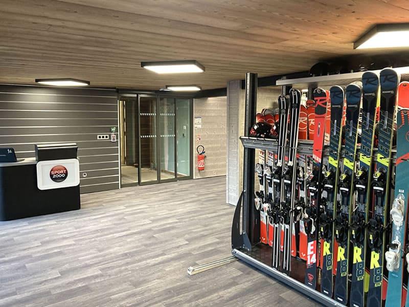 Ski hire shop Alpina Ski Shop in Batiment Club Alpina - Rue des Hauts du Crey, Champagny en Vanoise