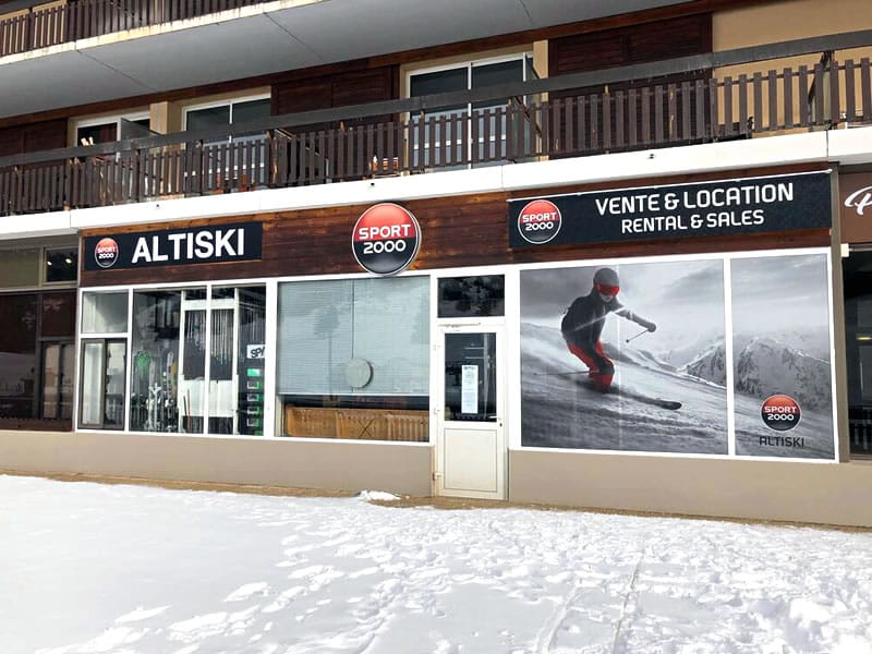 Ski hire shop ALTISKI Aurouze, Batiment du Bois d'Aurouze in Superdévoluy