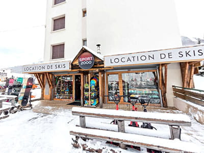 Ski hire shop SPORT'S MOUNTAIN, Serre Chevalier Villeneuve in Centre Cial L'Aravet-VILLENEUVE la Salle