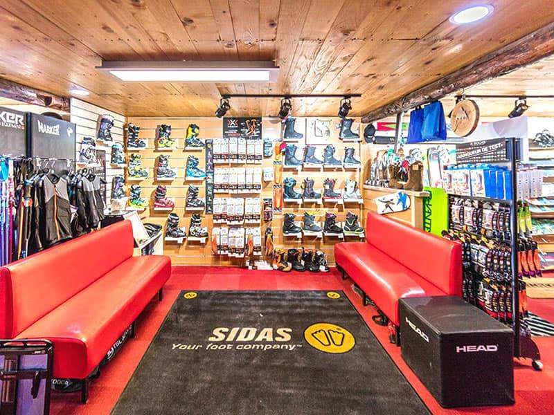 Ski hire shop SPORT'S MOUNTAIN, Centre Cial L'Aravet-VILLENEUVE la Salle in Serre Chevalier Villeneuve
