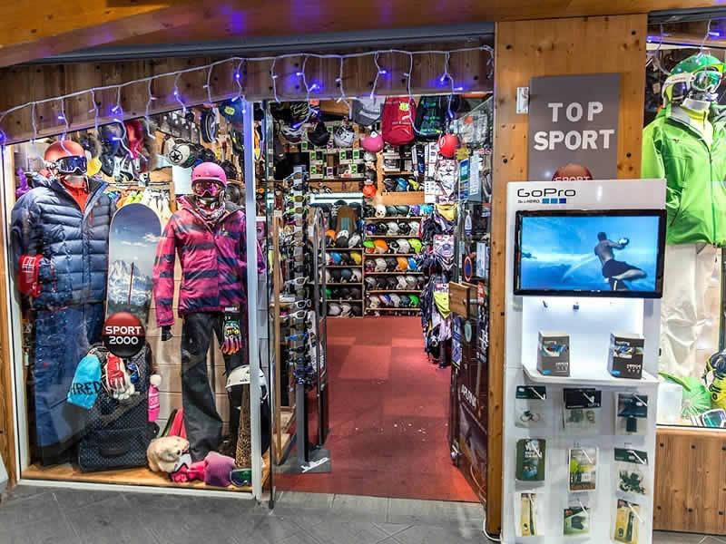 Ski hire shop TOP SPORTS, Centre Commercial de Caron in Val Thorens