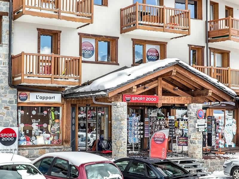 Ski hire shop L'APPART, La Rosiere in Centre Commercial La Rosière