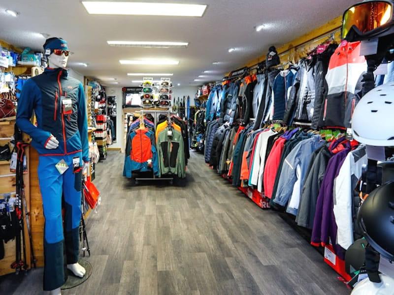 Ski hire shop SPORTNEIGE - SPORT & MODE in Centre Village - 38, place des Martyrs, Villard de Lans