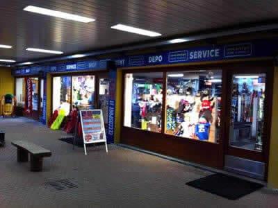 Ski hire shop Cecco Sport, Bormio 2000-Valdisotto in Centro Commerciale (Direkt an den Pisten Skigebiet Bormio 2000)