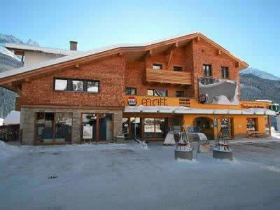 Ski hire shop SPORT 2000 Matt, Pettneu in Dorf 150