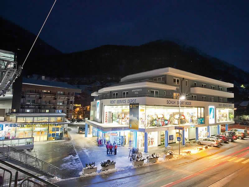 Ski hire shop Sporthütte Fiegl, Dorfstrasse 119 in Sölden