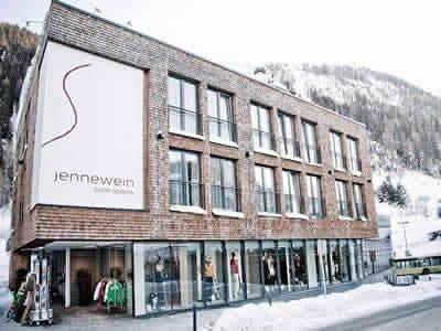 Ski hire shop SPORT 2000 Jennewein, St. Anton am Arlberg in Dorfstrasse 2