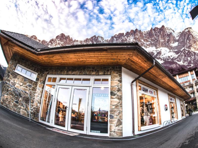 Ski hire shop Etz Sportboutique - Hotel Grand Tirolia in Eichenheim 8-9, Kitzbühel
