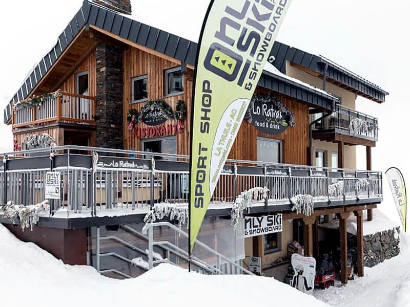Ski hire shop Only Ski & Snowboard, Funivia La Suches (stazione a monte) in La Thuile
