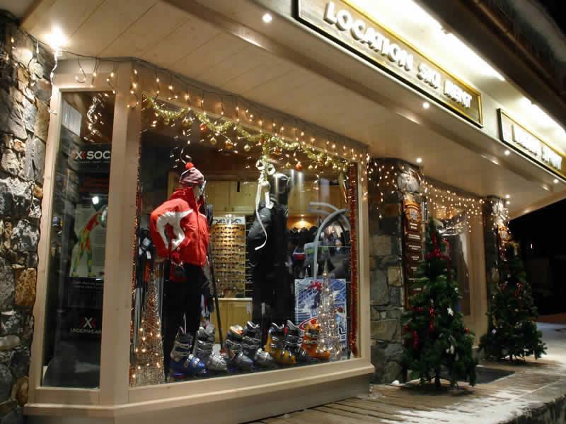 Ski hire shop PROSNEIGE SHOP CENTRAL, Galerie comerciale de l'hotel Le Val Thorens in Val Thorens