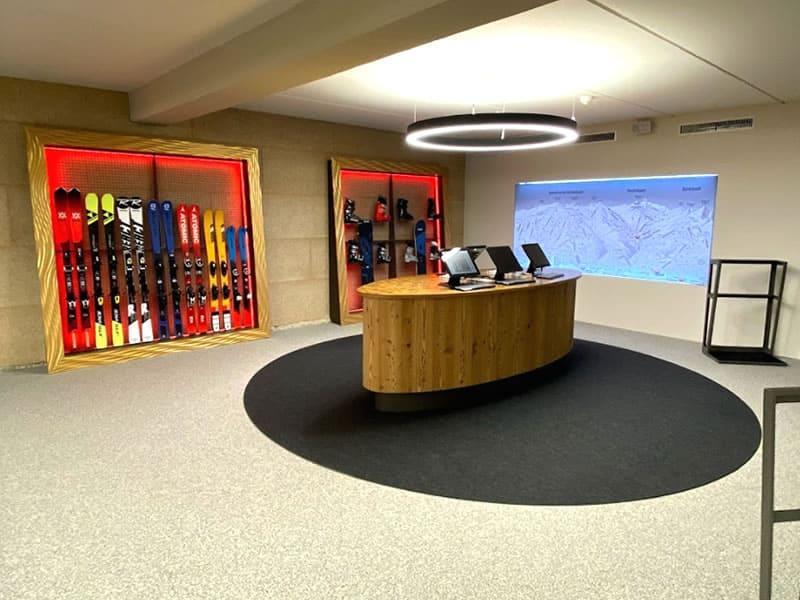 Ski hire shop SPORT 2000 RENT Unterlercher in Hochfügener Str. 88 - Talstation Spieljochbahn, Fügen