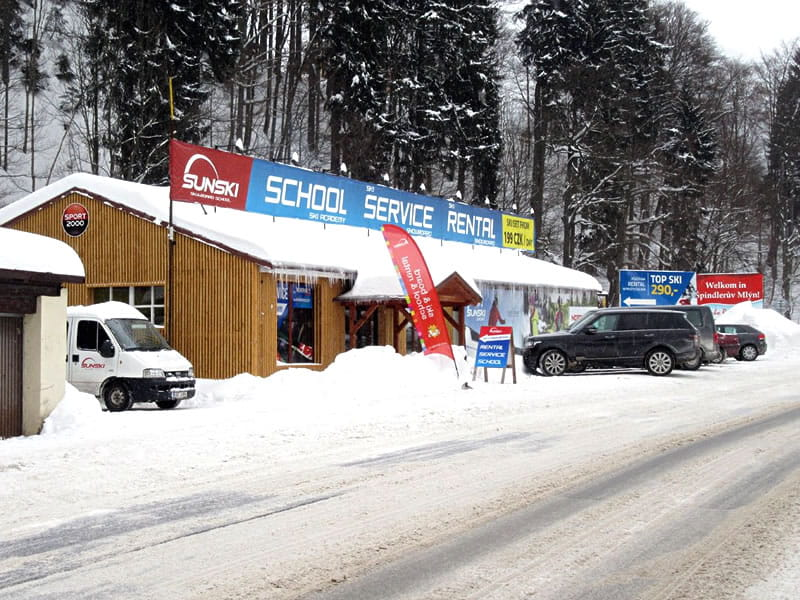 Ski hire shop Sun ski & board school in Hromovka (Gegenüber Talstation Sessellift), Spindleruv Mlyn