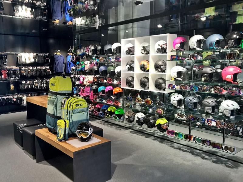 Ski hire shop Paarsenn Sports, Im Hotel Seehof, Promenade 159 in Davos-Dorf
