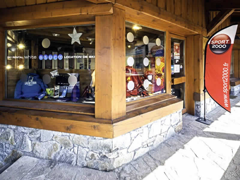 Ski hire shop WHITE STORM, Courchevel 1300 in Immeuble L'Or Blanc