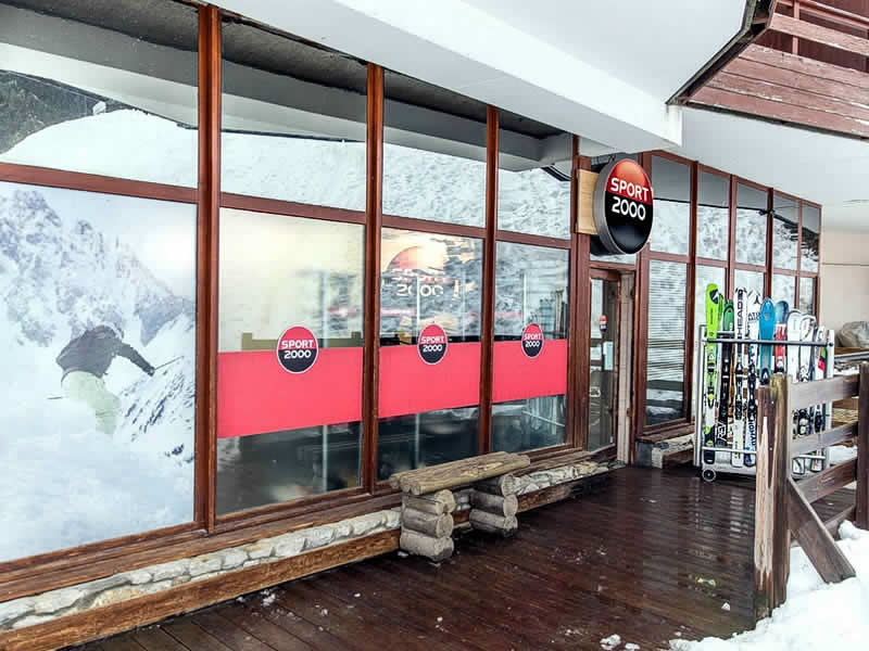 Ski hire shop WHITE STORM, La Tania in Immeuble Le Grand Bois