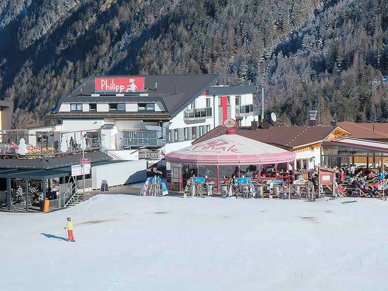 Ski hire shop Sporthütte Fiegl, Innerwald in Sölden