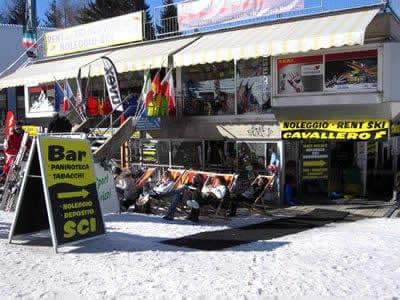 Ski hire shop Noleggio Sci Cavallero, Marilleva 1400 in International Bar - Marilleva 1400