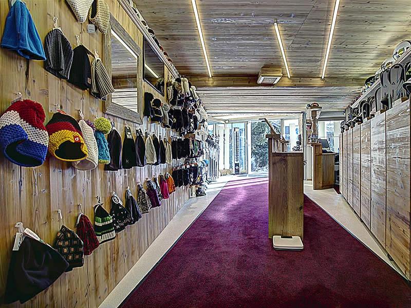 Ski hire shop Lucky's Skiverleih, Königsleiten 78 in Königsleiten-Wald