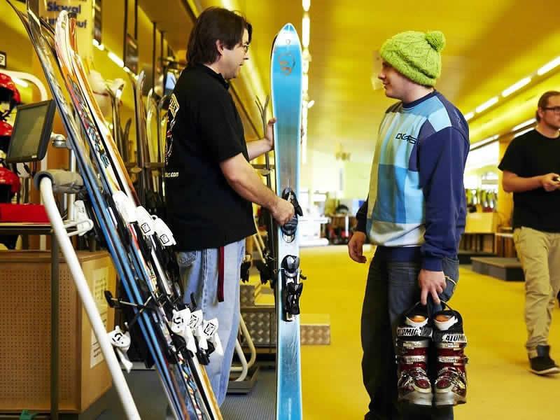 Ski hire shop Takeoff Snow + Fun Center, Komperdell Mittelstation in Serfaus