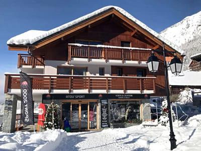 Ski hire shop Atou Sport, Vaujany in Les balcons de Vaujany
