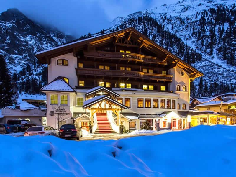 Ski hire shop PitzRentTal, Mandarfen 86a (Talstation Rifflseebahn) in St. Leonhard / Pitztal