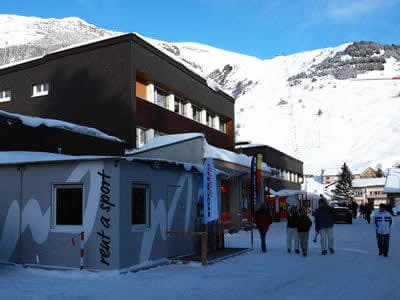 Ski hire shop Meyer's Sporthaus, Andermatt in Mietcenter am Bahnhof