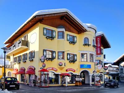 Ski hire shop SPORT 2000 Weitgasser, Altenmarkt in Obere Marktstraße 5