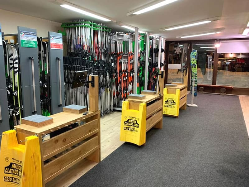 Ski hire shop Maison Clataud Sport, Piazza Assietta, 16 in Sauze d'Oulx