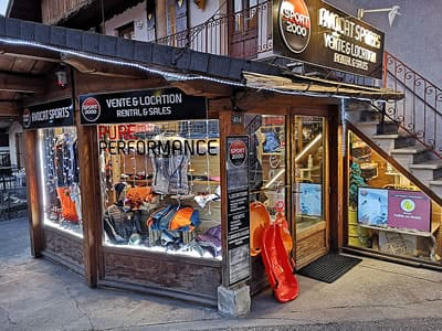 Ski hire shop AVOCAT SPORT, Areches Beaufort in Place de l'Eglise