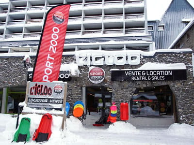 Ski hire shop L'IGLOO, Super Besse in Résidence Le Buron