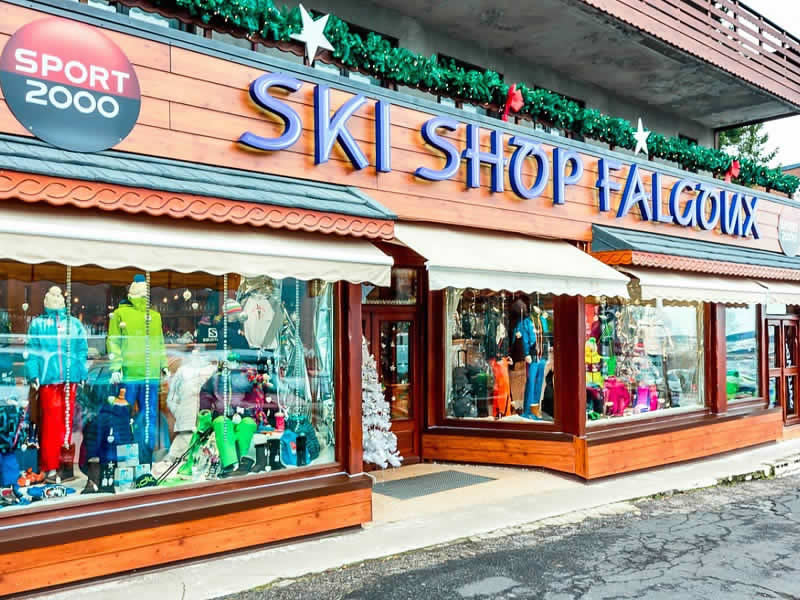 Ski hire shop SKI SHOP FALGOUX, Super Besse in Rond Point Des Pistes