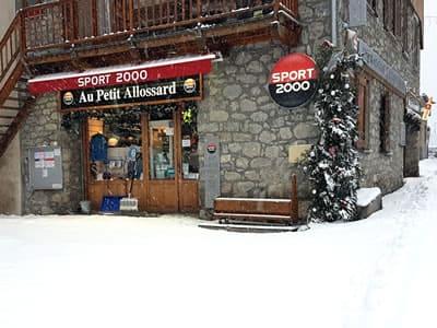 Ski hire shop Au Petit Allossard, Allos in Rue du Pré de Foire