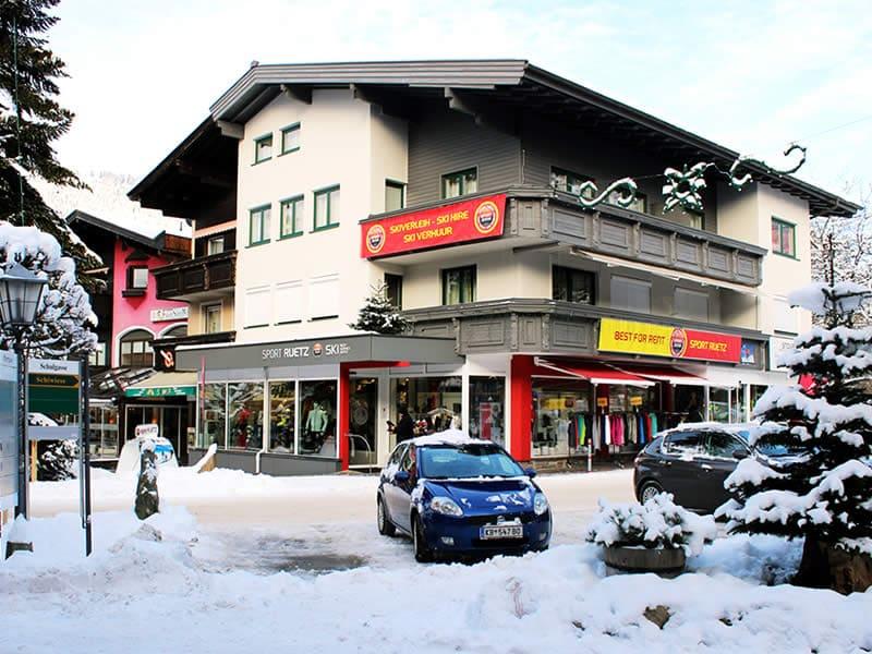 Ski hire shop SPORT 2000 Ruetz, Schulgasse 1 in Westendorf