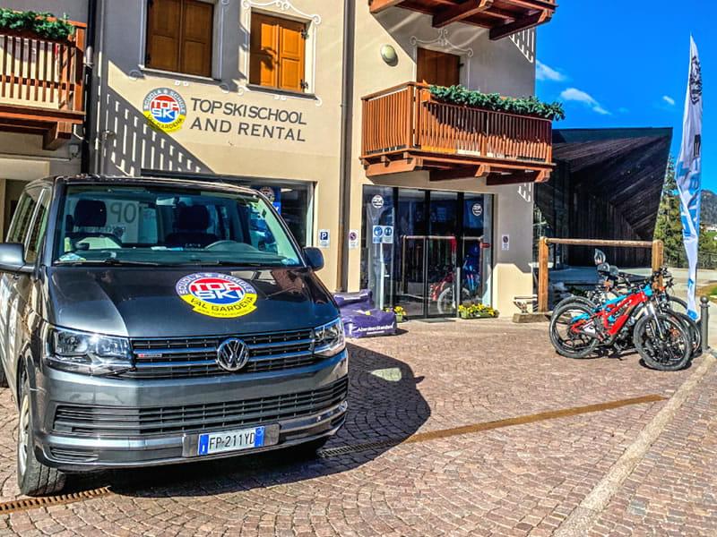 Ski hire shop Top Ski Rental, Streda Meisules 104 in Wolkenstein-Selva Gardena