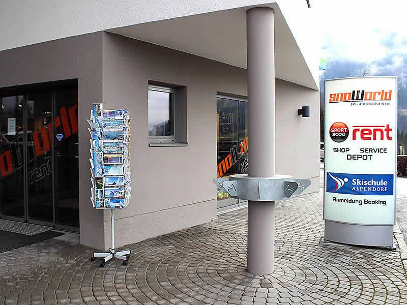 Ski hire shop Snoworld, Talstation Gondelbahn - Alpendorf 2 in St. Johann i.Po.-Alpendorf