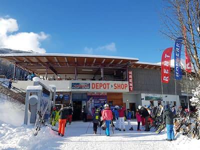 Ski hire shop Hofherr Sport, Lermoos in Talstation Grubigsteinbahn - Juch 3