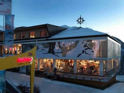 Ski hire shop Sport Lentsch - Sport vor Ort, Arzl im Pitztal in Talstation Hochzeigerbahn Jerzens