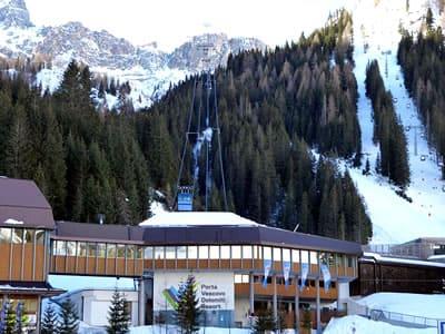 Ski hire shop Ski Service da Nico, Arabba in Talstation Porta Vescovo Umlaufbahn - Via Piagn 2