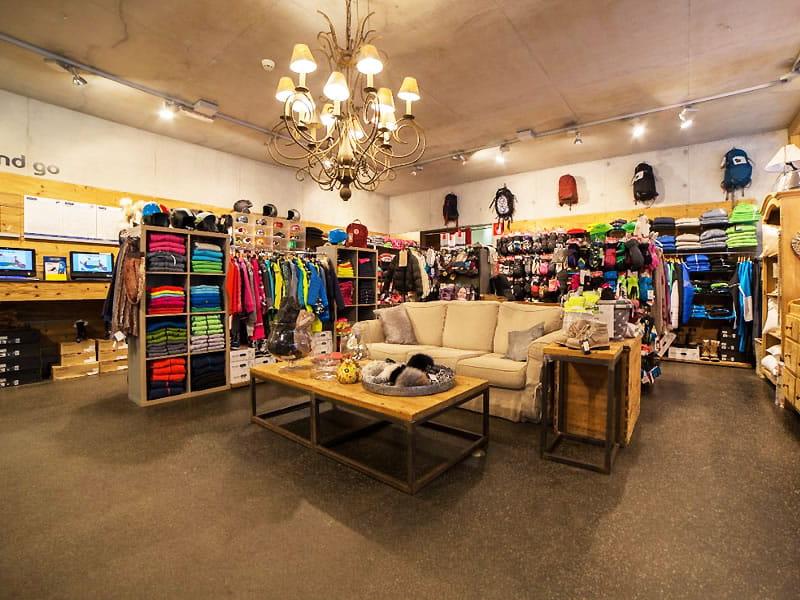 Ski hire shop Sportservice Erwin Stricker, Talstation Seilbahn Naif - Meran 2000 in Meran 2000