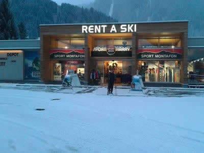 Ski hire shop Sport Harry's, St. Gallenkirch in Talstation Valisera Grasjochbahn