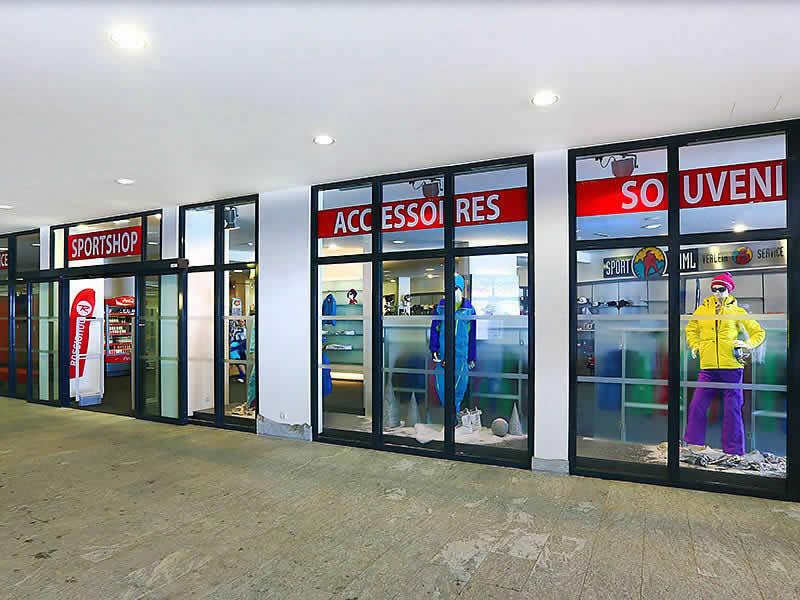 Ski hire shop Sport-Shop, Sölden in Tiefenbach Gletscher [Direkt beim Restaurant]