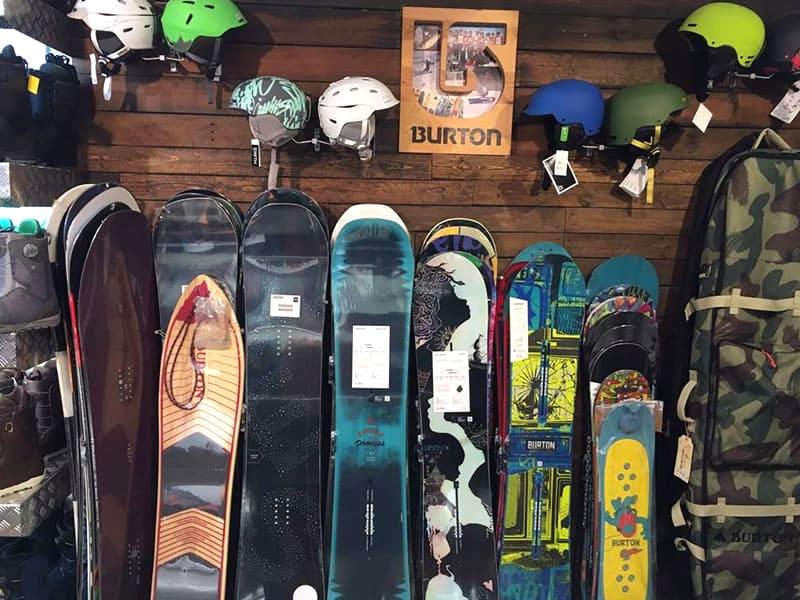Ski hire shop Cervinia 2001, Via Carrel, 11 in Breuil Cervinia