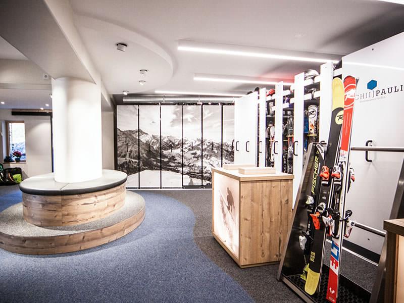 Ski hire shop Sport Pauli, Walserstrasse 270 in Kleinwalsertal - Hirschegg