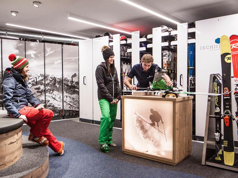 Ski hire shop Sport Pauli, Walserstrasse 270 in Kleinwalsertal/Hirschegg