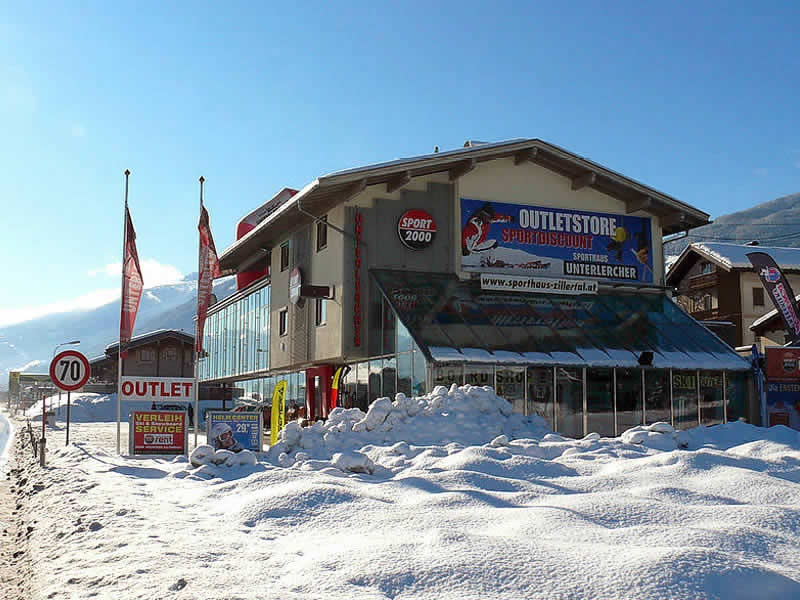 Ski hire shop SPORT 2000 Unterlercher, Zillertalstrasse 10 in Fügen