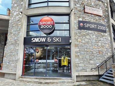Ski hire shop SNOW & SKI, Valloire in Zone des Charbonnières